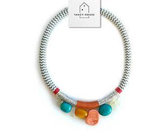 piedras preciosas del collar cuerda gris oscuro por hellofancyhouse