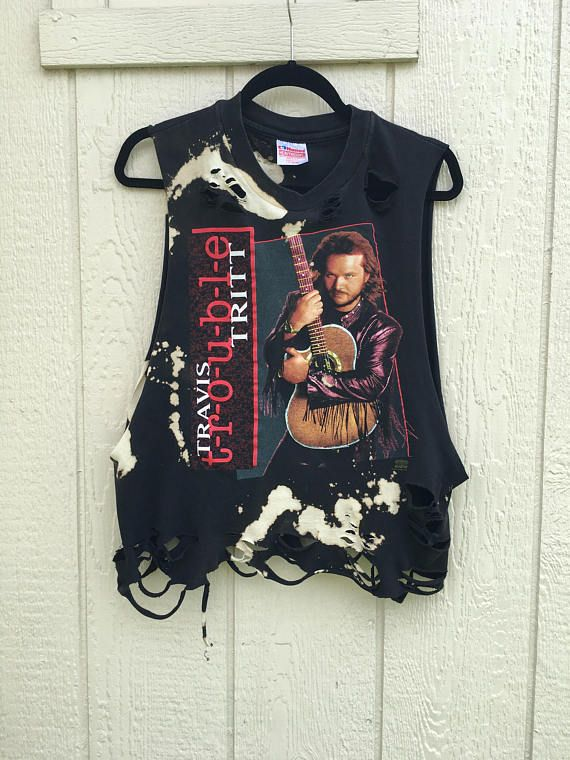 da02d96910a34d Awesome Travis TRITT distressed grunge shirt Size large  ~~~~~~~~         ~~~~~~~~~ I love shopping for awesome old