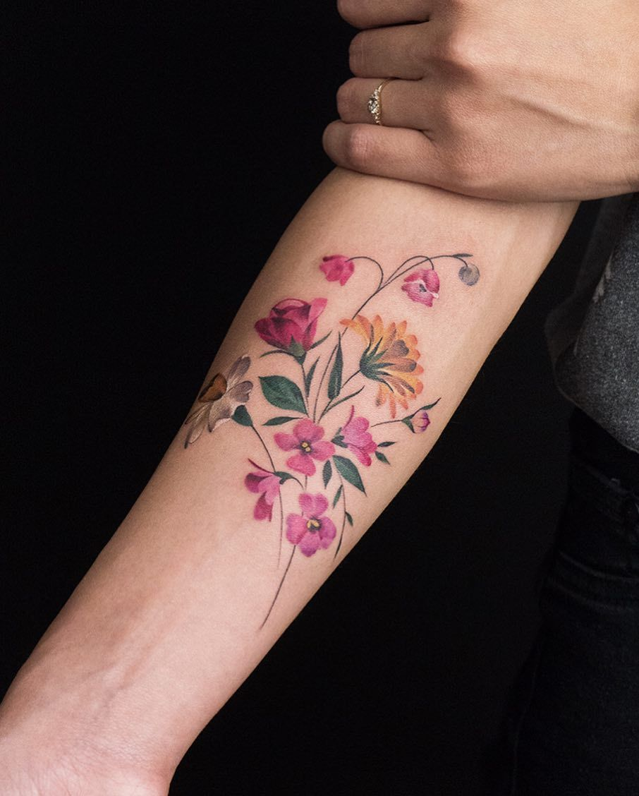 Rey Jasper Andres Flower Tattoo In 2020 Narcissus Tattoo Violet Tattoo Lily Tattoo