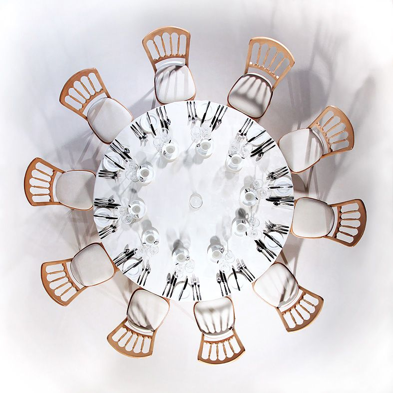 An aerial view of a full #table setting. 5u00276 round table suitable for 10 guests.  sc 1 st  Pinterest & An aerial view of a full #table setting. 5u00276 round table suitable ...