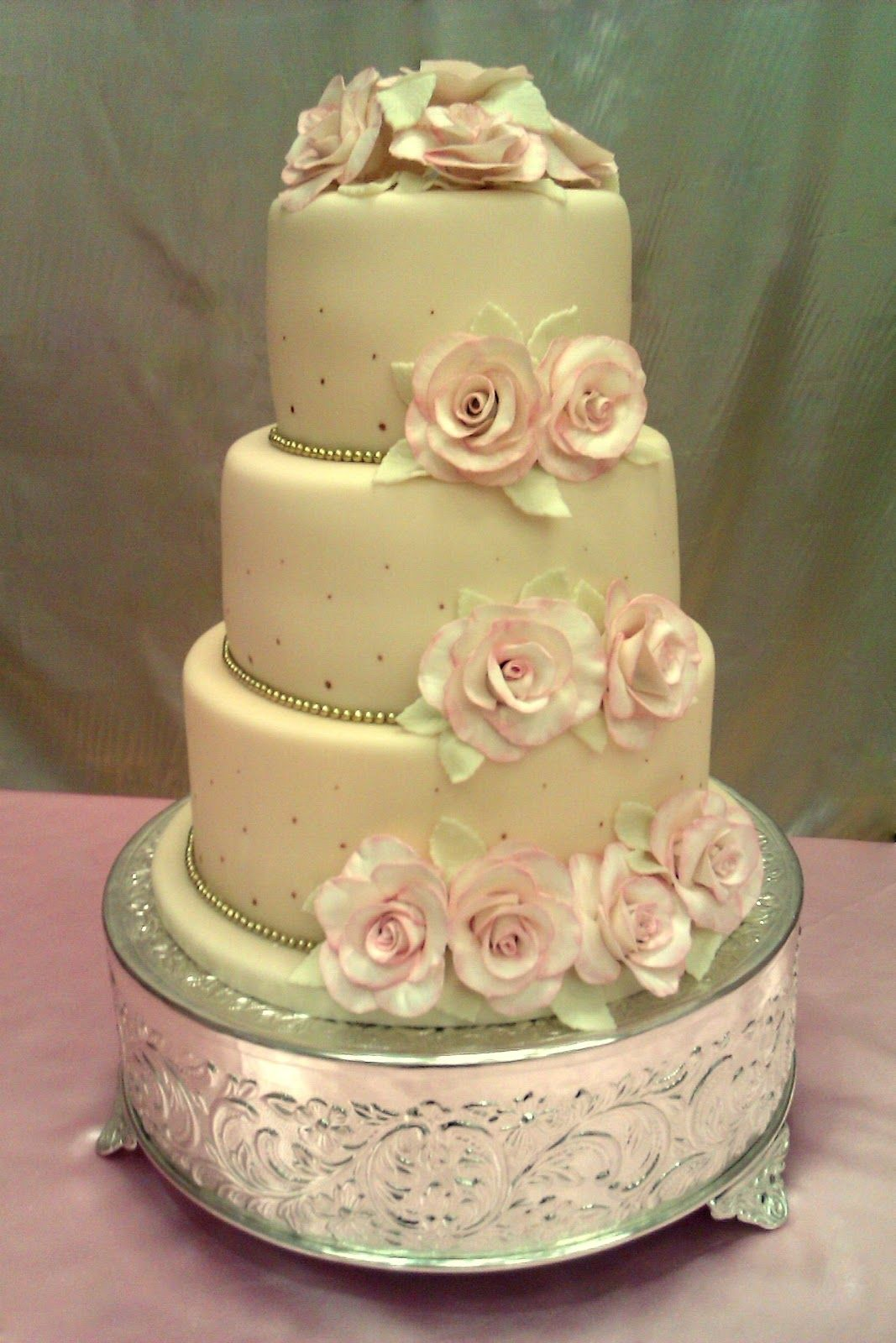wedding cakes vintage small | scroll down for a rose- making ...