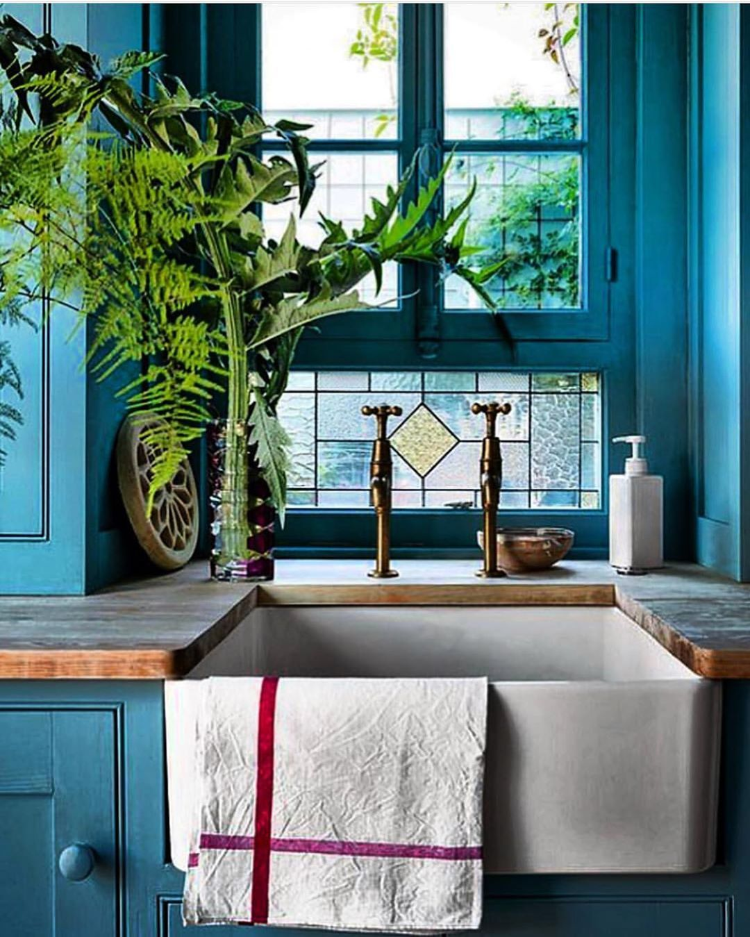 """European Style Kitchen Remodeling Ideas: SECRETS OF A HOSTESS On Instagram: """"How Inspiring!! This"""