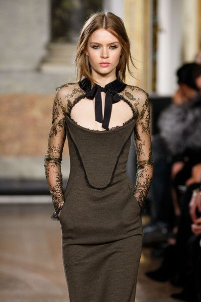 EMILIO PUCCI FITTED DRESS with LACE COLLAR and SLEEVES image 6