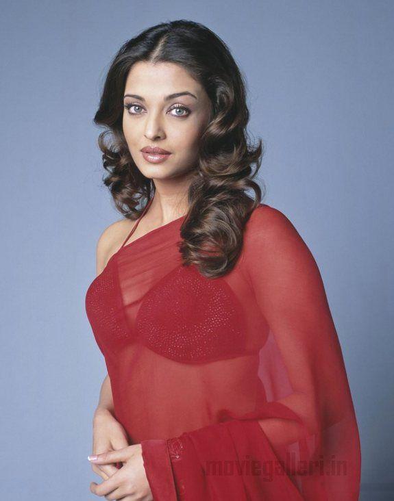 Aishwarya rai sexy pose