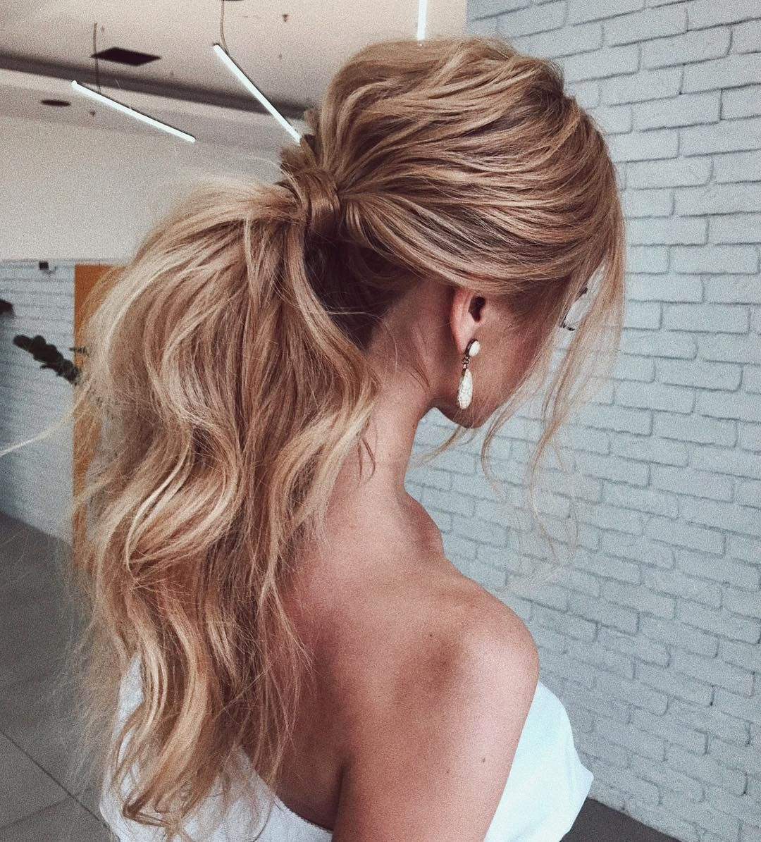 Gorgeous Ponytail Hairstyle Ideas That Will Leave You In Fab Long Ponytail Hairstyles Wedding Hairstyles For Long Hair Ponytail Hairstyles Easy