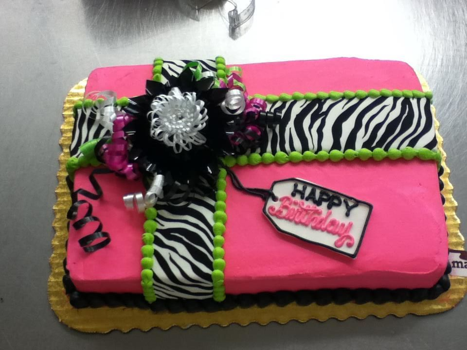 Birthday Cake By Stephanie Dillon Ls1 Hy Vee Bakery Department