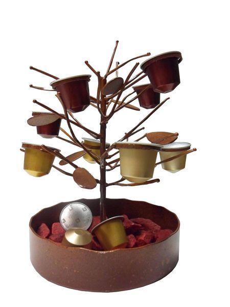 Weihnachtsgeschenk? Der Nespresso Kapsel-Baum schafft nicht nur Ordnung sondern ist zudem ein besonderer Eyecatcher in jedem Haushalt! #nespresso #christmas