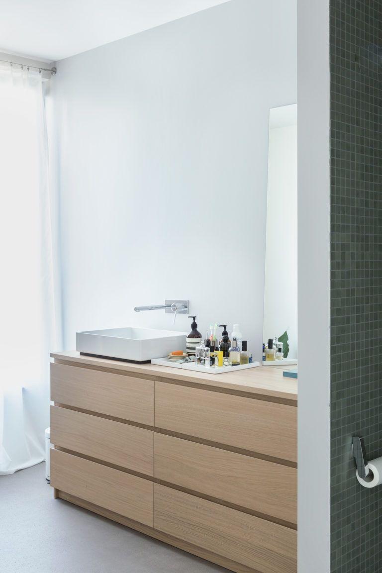 Grafisch Und Gemutlich Badezimmer Dekor Badezimmer Dekor Diy Badezimmer Unterschrank