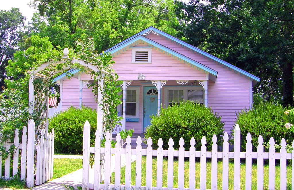 Pink House With A White Picket Fence Pink Houses White Picket