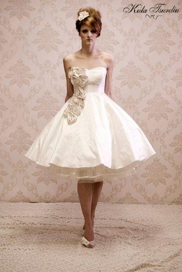 Tea length wedding dress. Kula Tsurdiu. #bridal #gown
