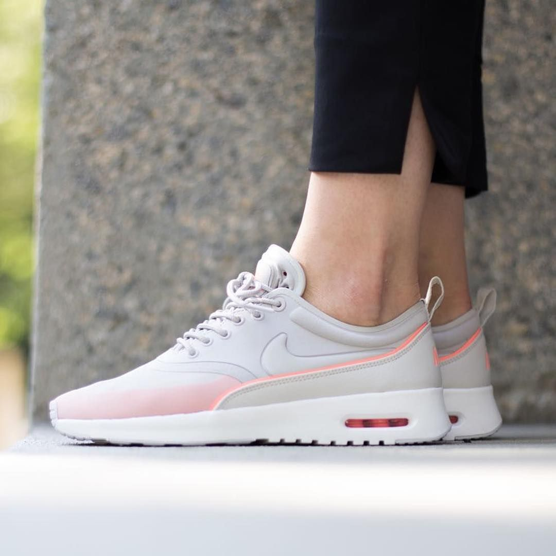 Mode · Sneakers femme - Nike Air Max Thea ...