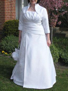 Große Größen Brautkleid aus Satin und Spitze in weiß ...