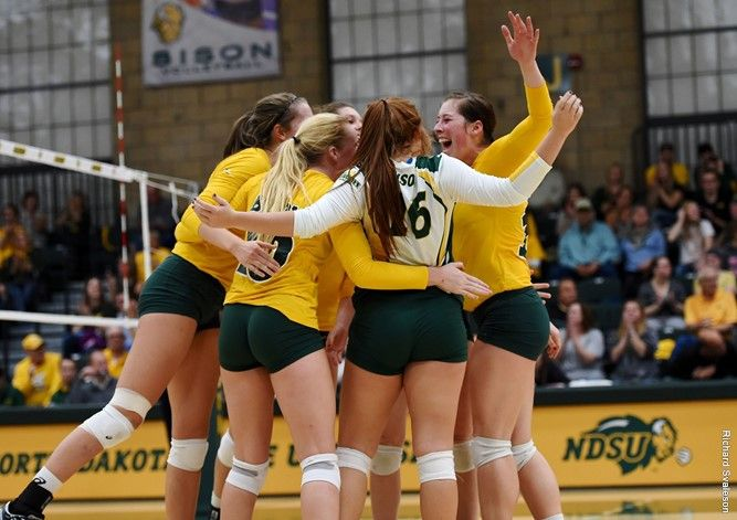 Ndsu Opens With South Dakota On Friday At Summit League Volleyball Championships Women Volleyball Sport Volleyball Volleyball News