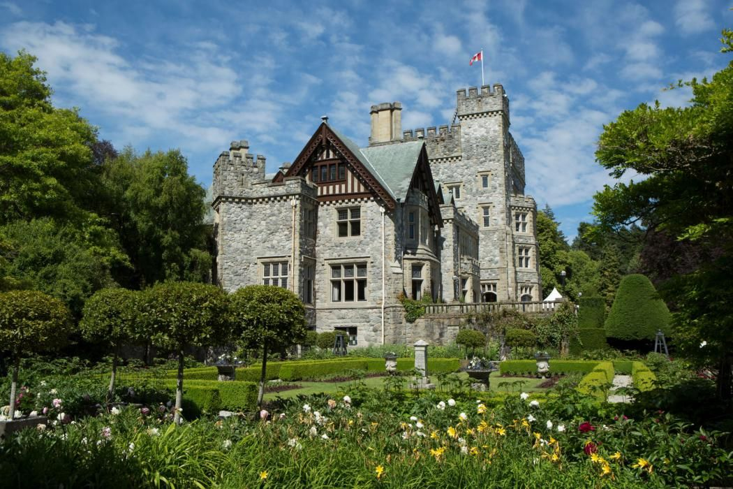 Hatley Castle from the Italian Gardens castles of england - chambre d hote moutiers les mauxfaits
