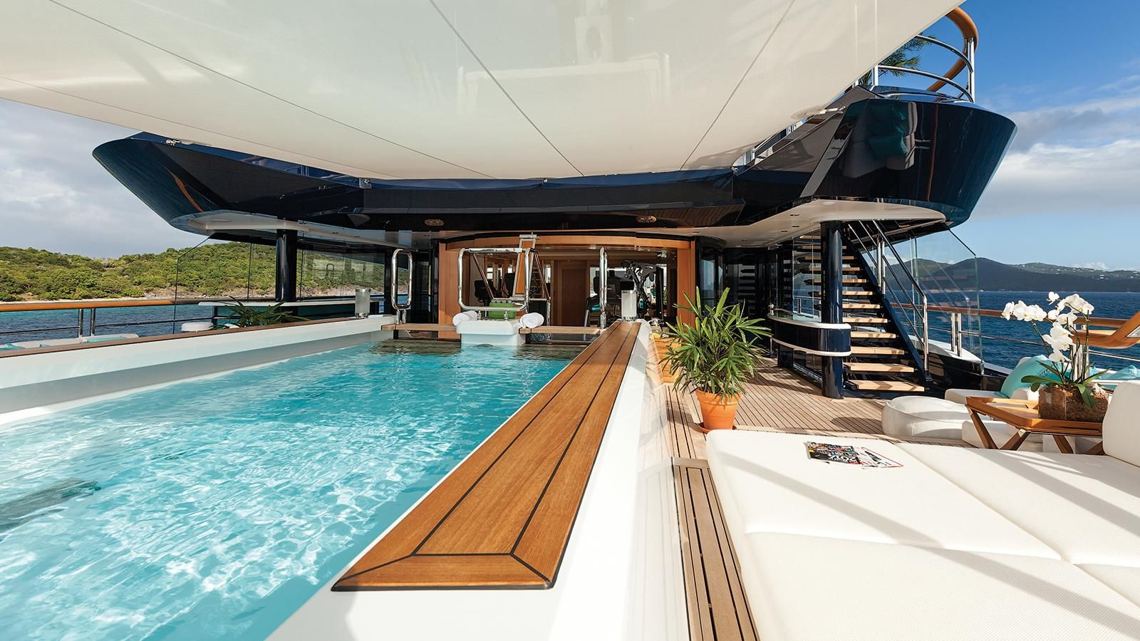 6 of the best superyacht spas - Solandge Yacht Pool Spa