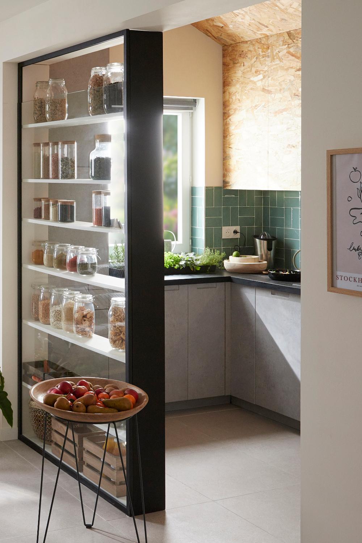 Une Cuisine Qui Fait Le Lien Avec Le Salon En 2020 Osb Idees Pour La Maison Maison