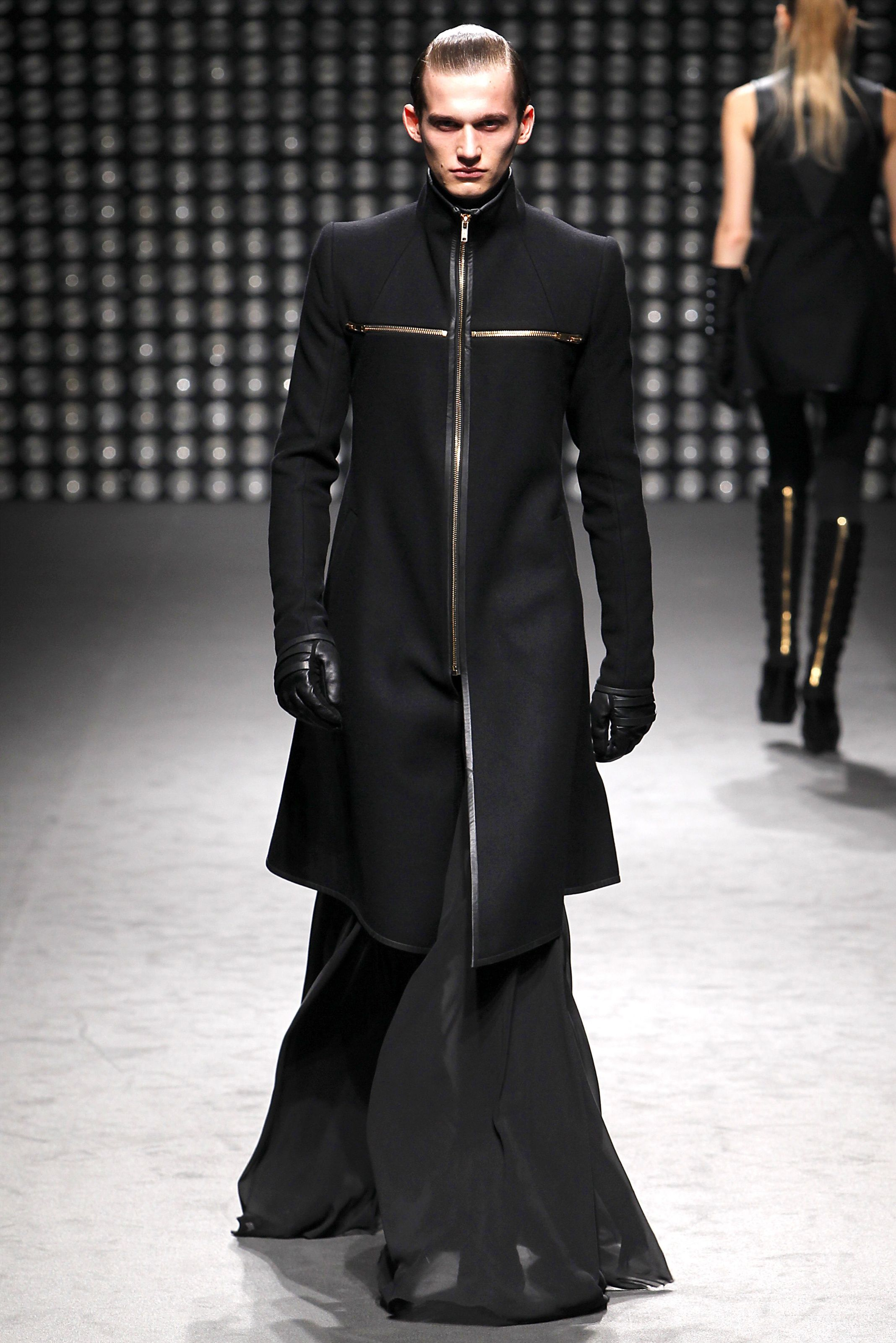 1a98719051bd Gareth Pugh - Men Futuristic Fashion Fall Winter 2011-2012 - Shows -  Vogue.it