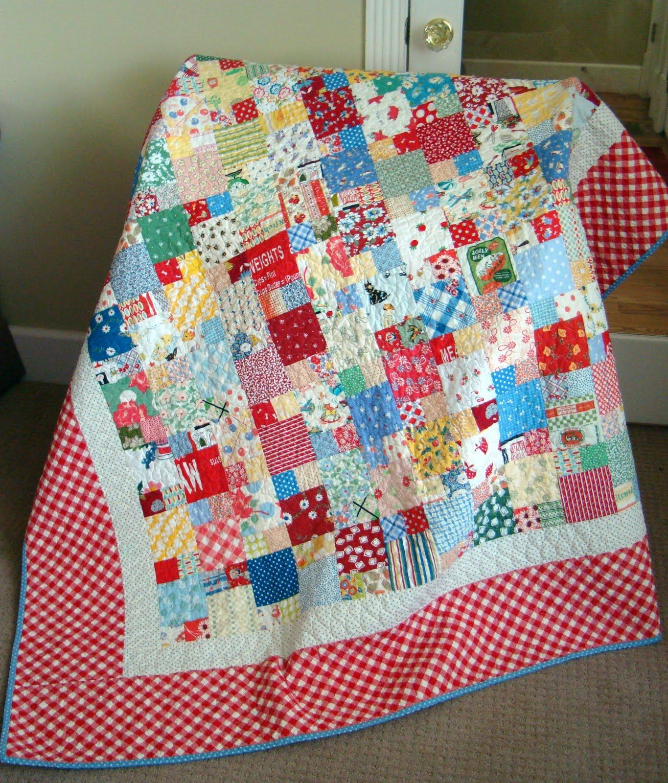 Scraptacular Tutorial Picnic Quilt tutorial. ANYONE can make this great beginner project.