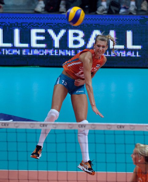Manon Flier Opposite Netherlands Team And Toray Arrows Japan Female Volleyball Players Female Athletes Women Volleyball