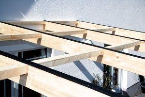 Aufbau einer Leimholz-Terrassenüberdachung