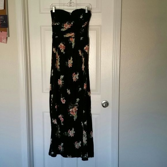 American Rag Maxi Dress Black with floral print, strapless maxi dress American Rag Dresses Maxi