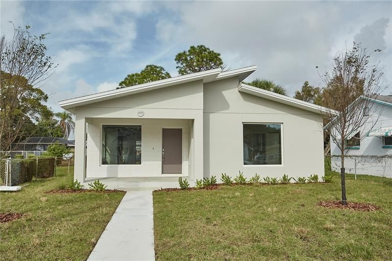 Fabulous New Construction Offering From Kasper Modern Cornerstone Building Concepts 8 8 Ceilings And Lo Open Living Area Tampa Real Estate Building Concept