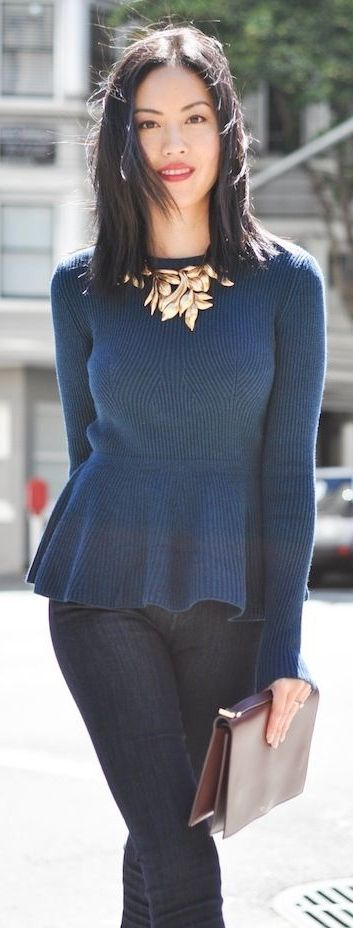 Jeans – 7 For All Mankind | Sweater – H&M |  Necklace – Oscar de la Renta | Clutch – Celine