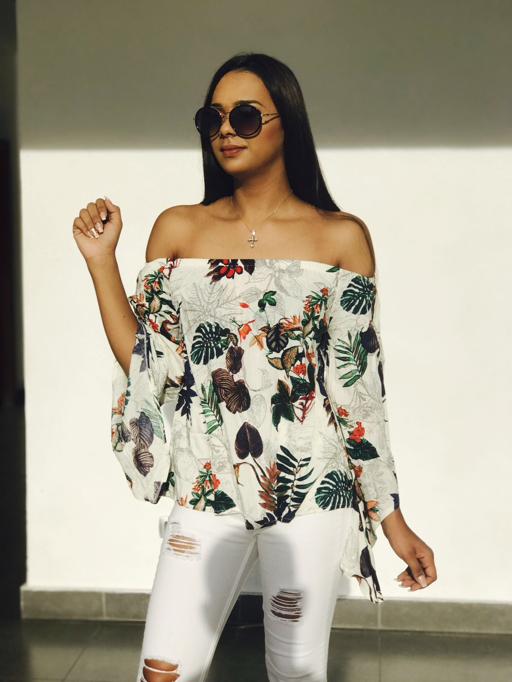 b5b0be698654a White Tropical Print Off The Shoulder Bell Sleeve TopFor Women-romwe