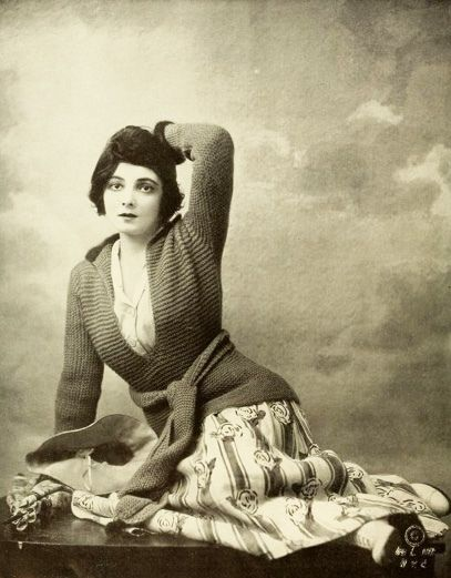Lovely silent film actress Marie Doro, 1917.