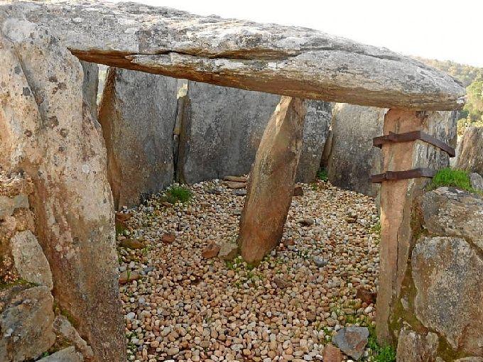 Dólmenes De El Pozuelo Zalamea La Real Huelva Lugares De España Dolmenes Castillos Abandonados