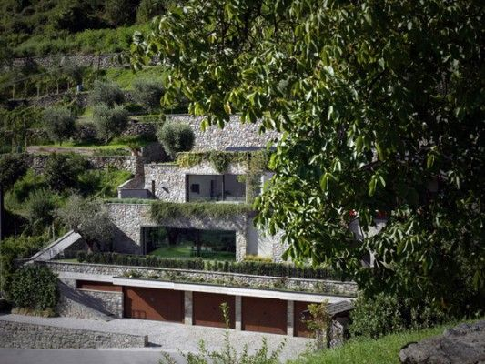 Stunning modern renovation in Italy: Casa MT