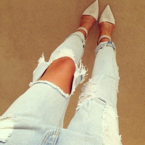 White topshop ripped jeans beige flats black top
