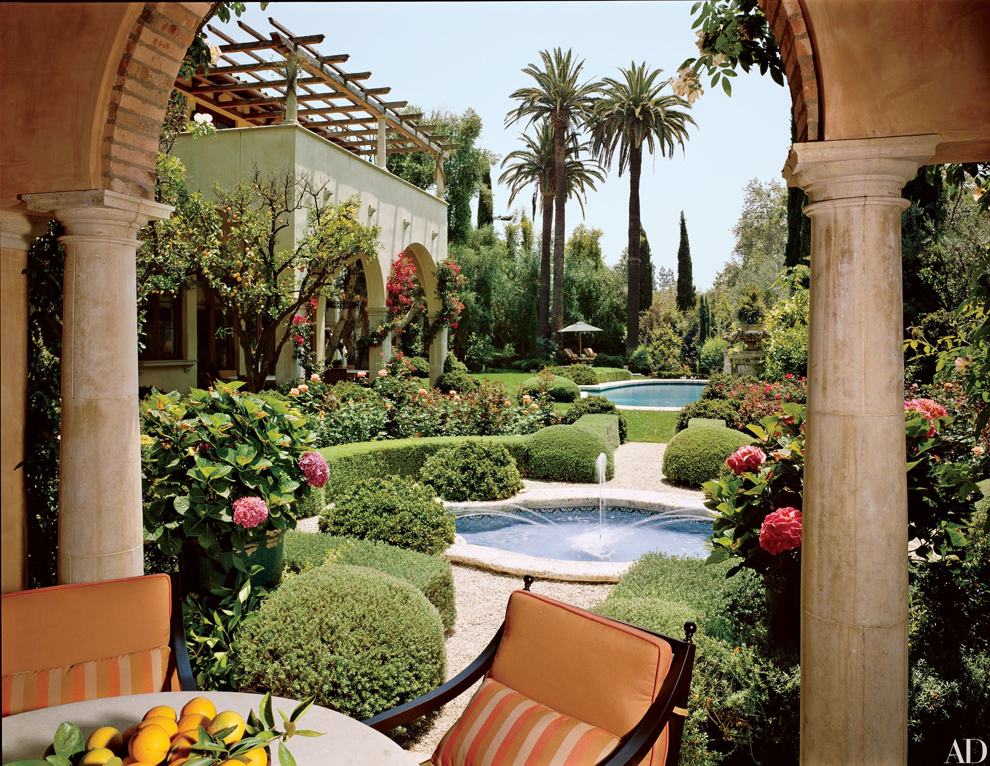 10 Rose Gardens to Inspire Any Green