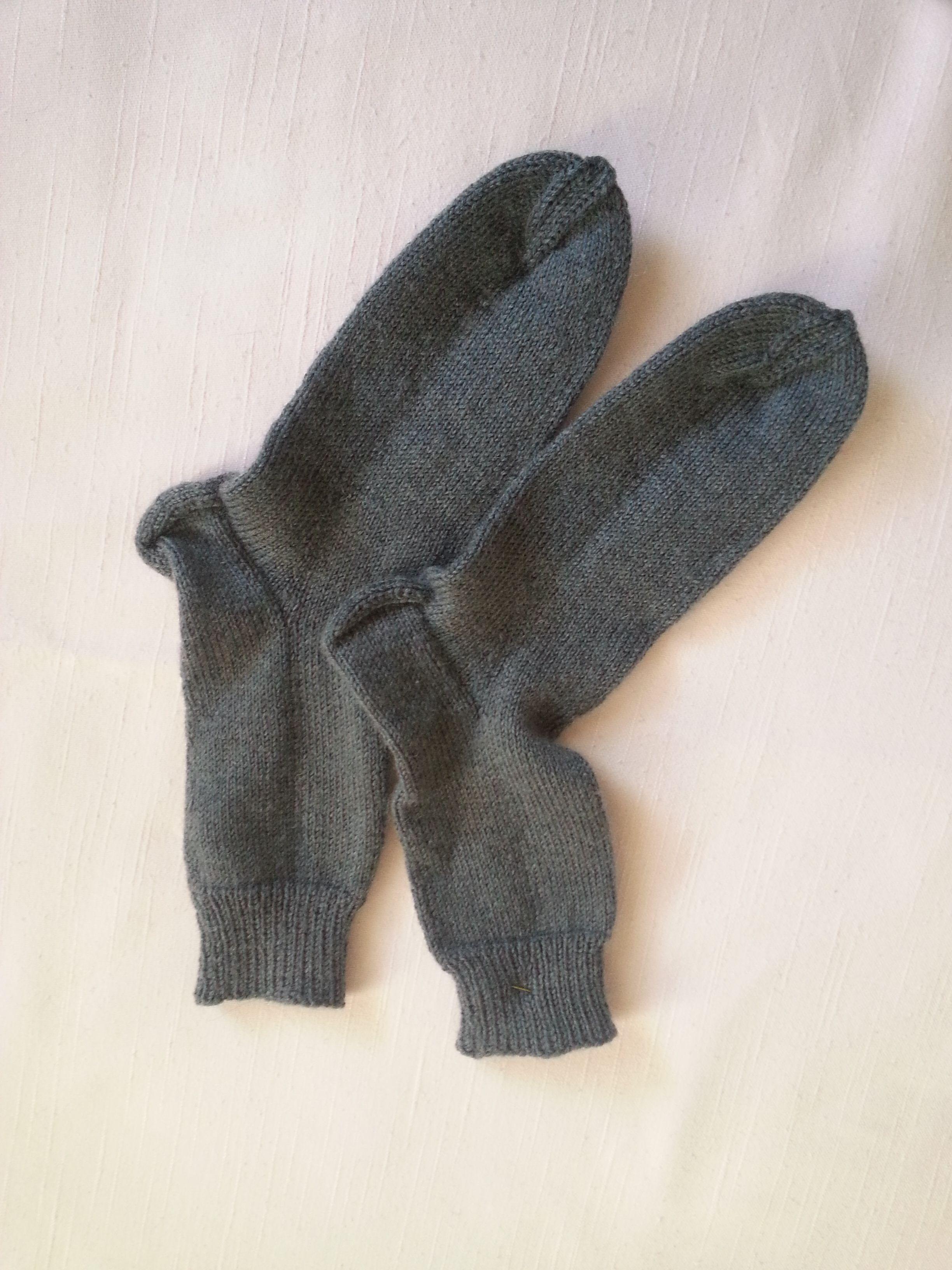 Handgestrickte Graue Wollsocken In Größe 3839 Für Frauen Und Männer