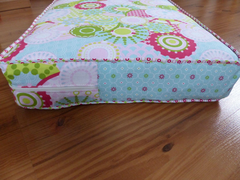 Mit Stoffen Von Tante Ema Nähe Ich Schöne Bunte Sitzkissen Für Unsere Minilounge Einfach Nachzunähen Sitzkissen Kissen Selber Nähen Lounge Kissen