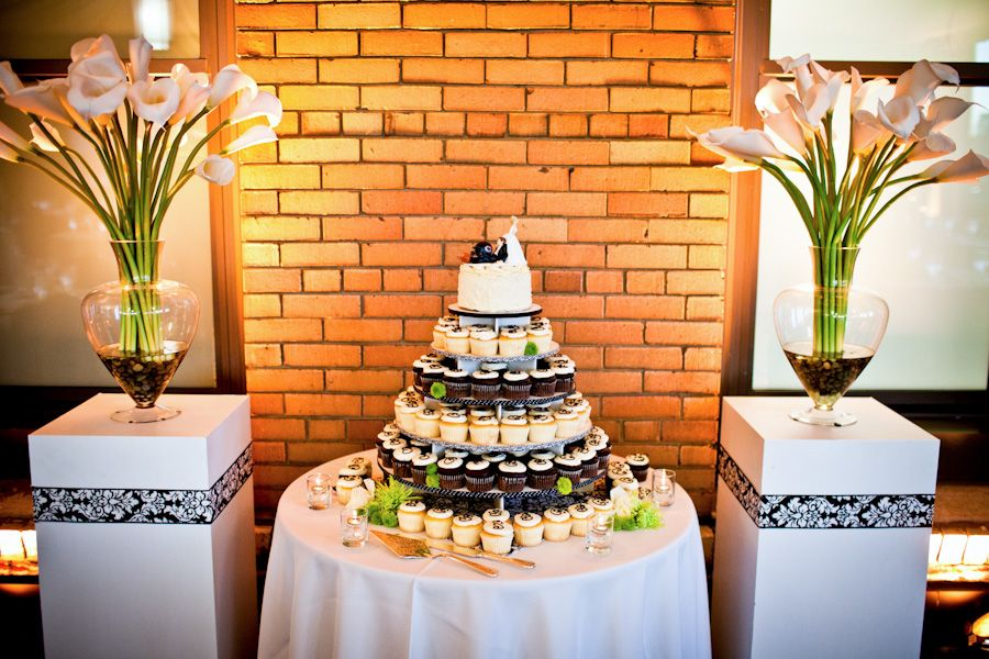 the tower of cakes...