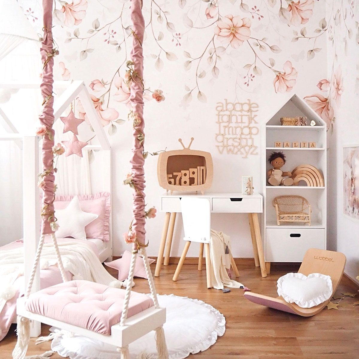 Pastelowa Tapeta Rajski Ogrod Girls Room Wallpaper Newborn Room Kids Room Inspiration
