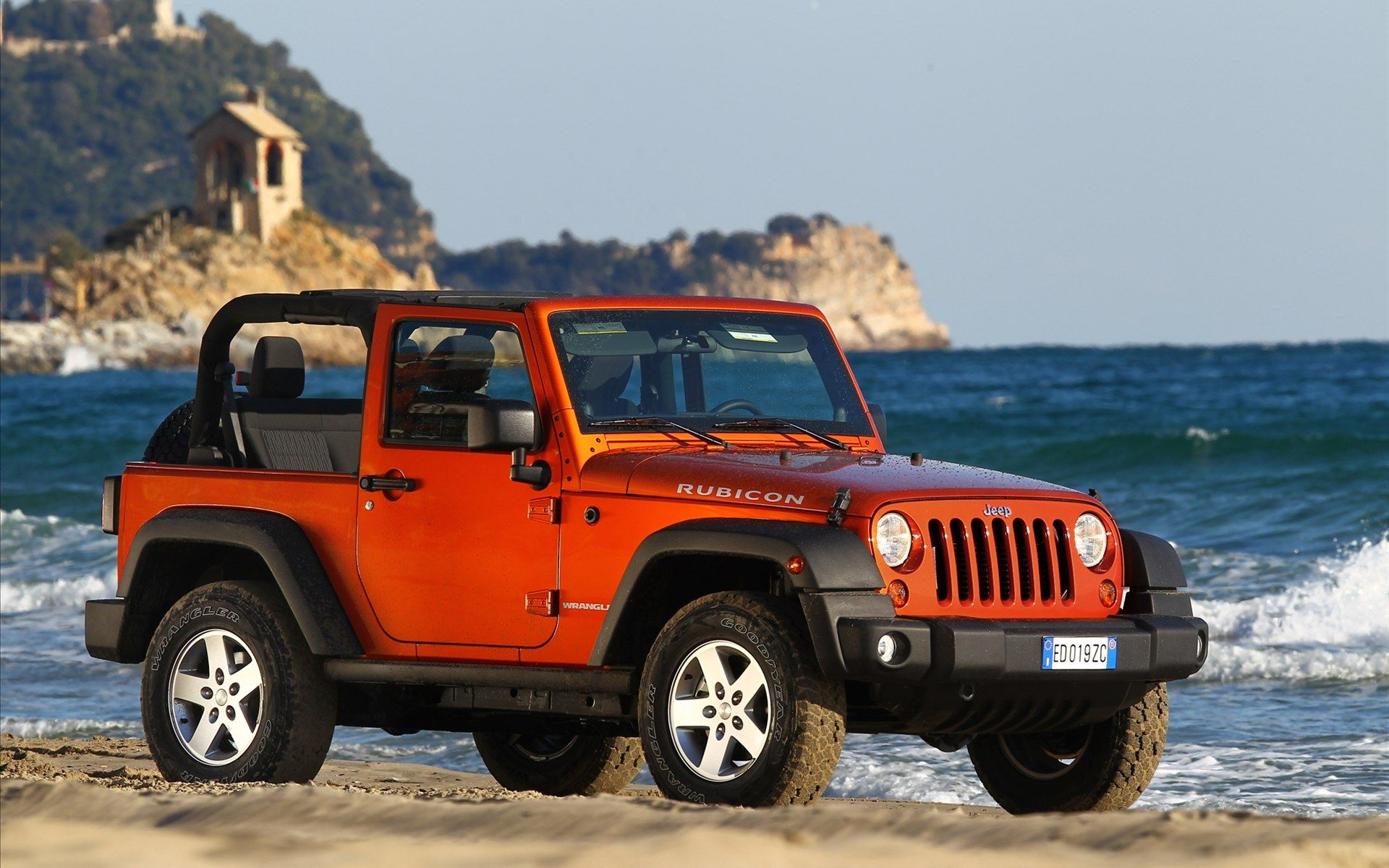 2012 jeep wrangler rubicon front right beach front