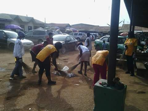 Asaba First Big Heart #LionsClub (Nigeria) cleaned up around a market community