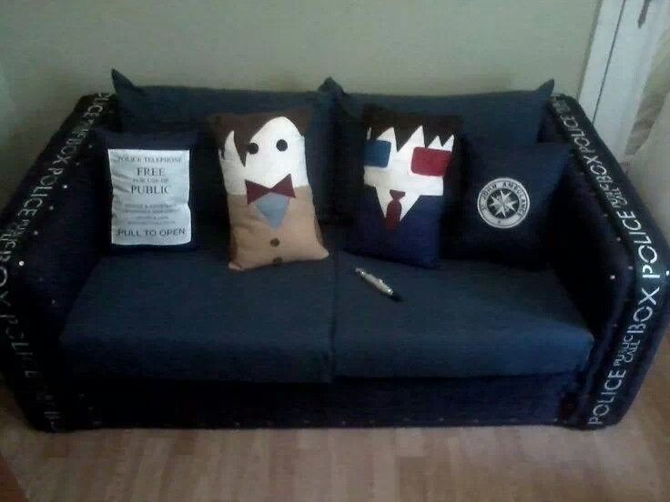 Tardis couch Doctor pillows