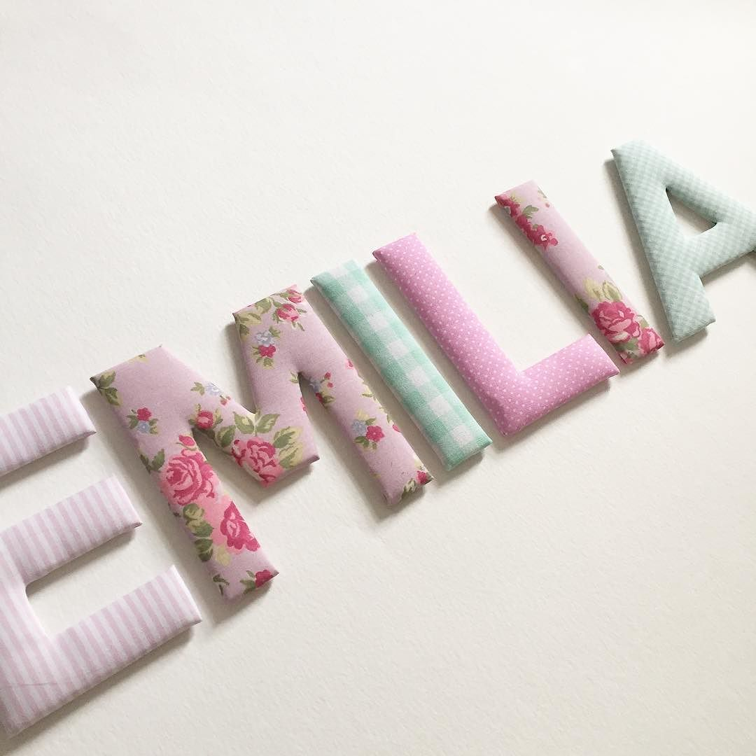 Kundenwunsch Stoffbuchstaben in rosa mint und mit