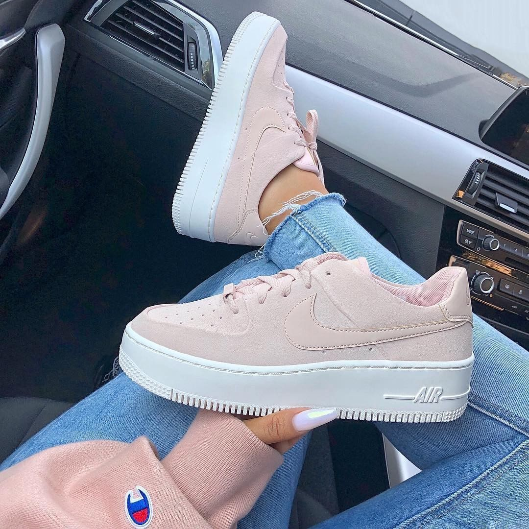 09aad368e017 Find images and videos about fashion, style and pink on We Heart It - the  app to get lost in what you love. Nike Shoes Outfits ...