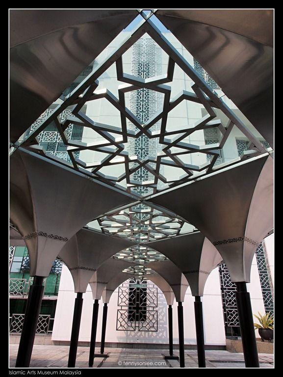 Islamic arts museum malaysia 2 arabesques pinterest for Modern islamic building design