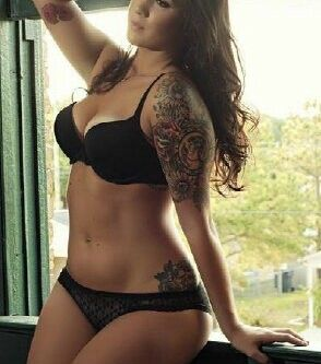 Thick sexy brunette