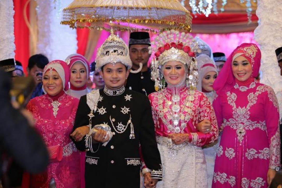 Gambar Pakaian Adat Aceh Ulee Balang