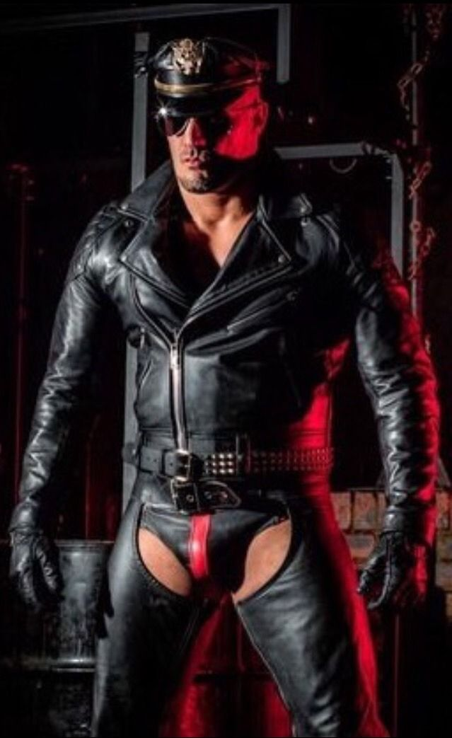 Leather ~ rubber ~ speedos ~ stunning guys | Fall et ...