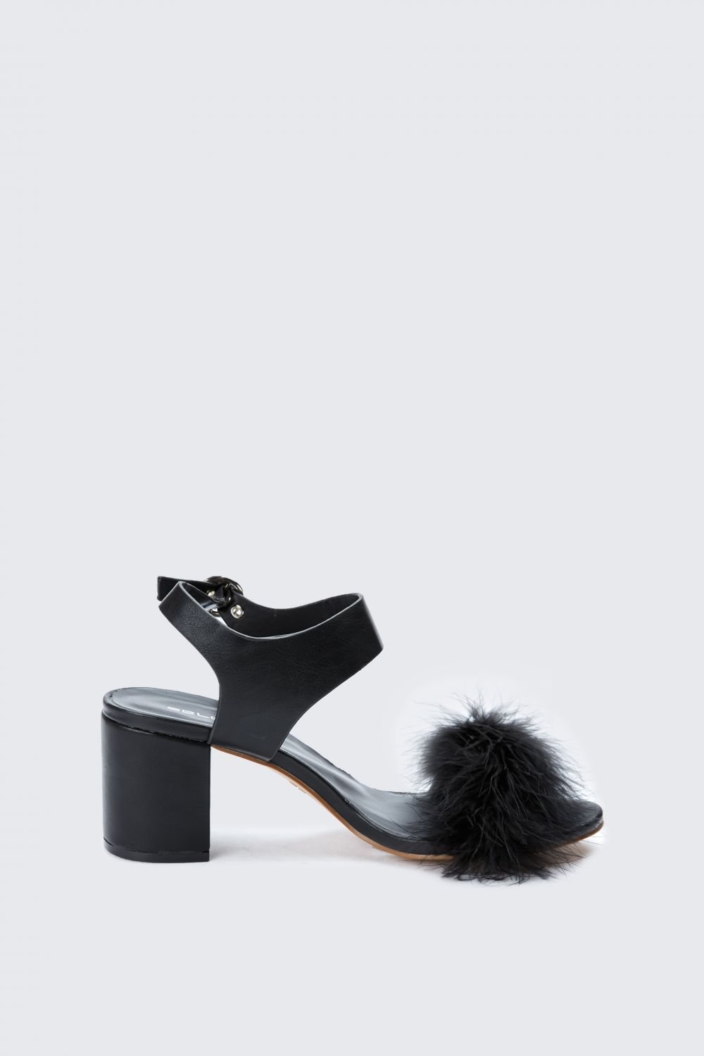 678278bbc3 FLUFFY BLOCK HEEL SANDALS | Clothes Wishlist | Shoes, Block heels ...