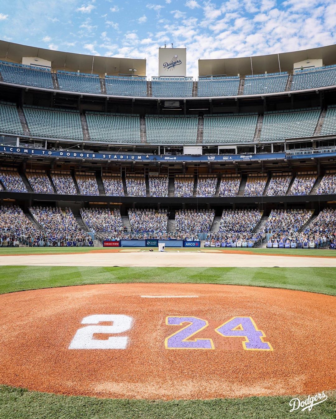 Los Angeles Dodgers For Kobe And Gigi In 2020 Dodgers Los Angeles Dodgers Dodger Stadium