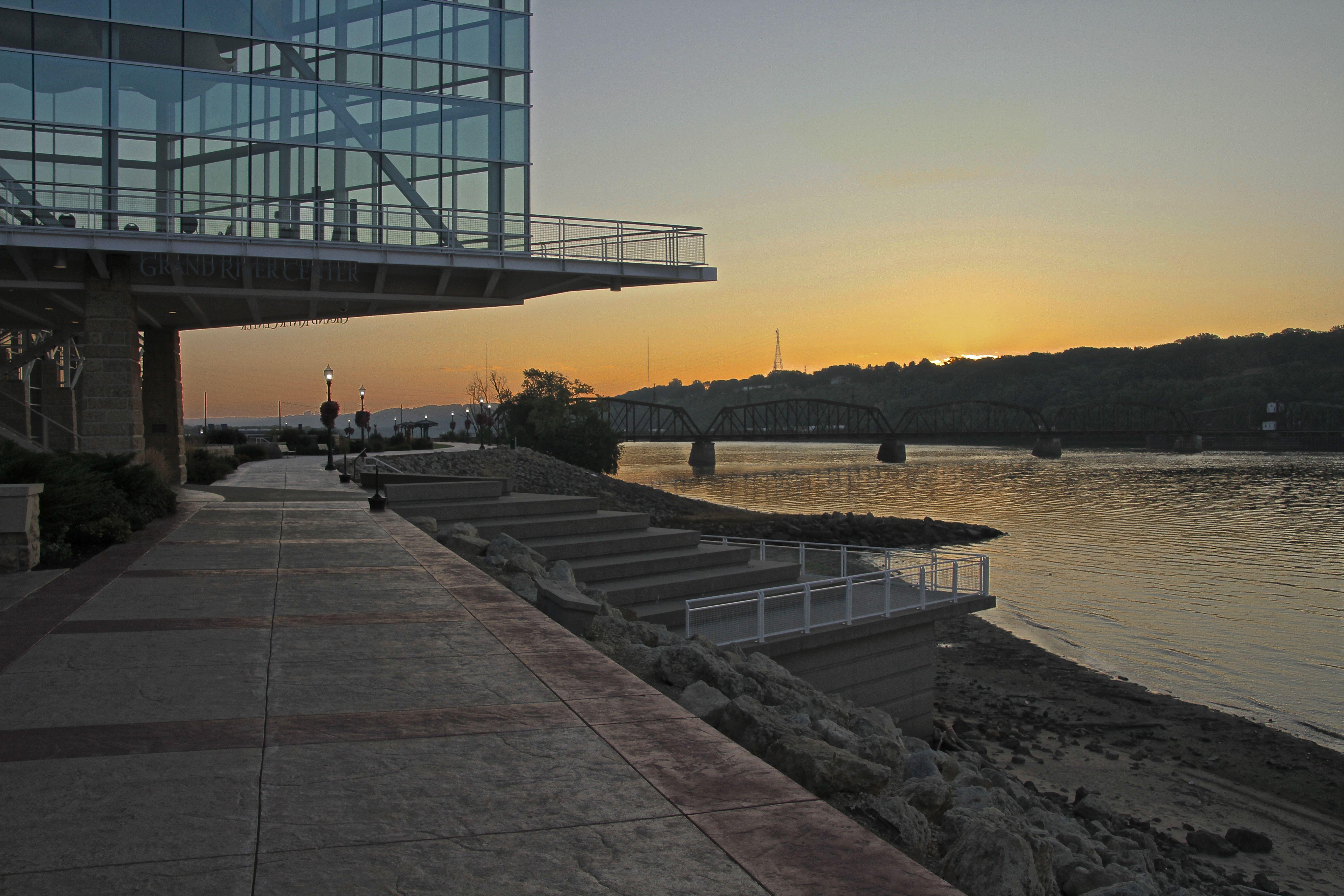 Sunrise over the Mississippi on the river walk.