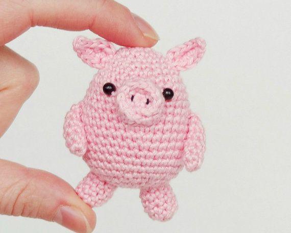 Amigurumi Pig : Crochet pig keychain handbag charm my amigurumi designs